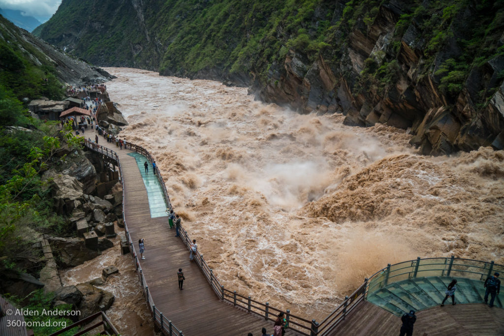 Upper Tiger Leaping Gorge - Boardwalk viewing area