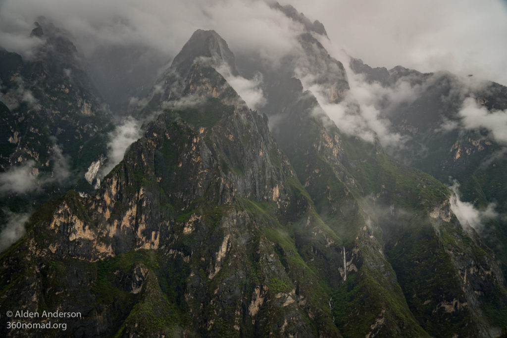 Rainy weather in Tiger Leaping Gorge