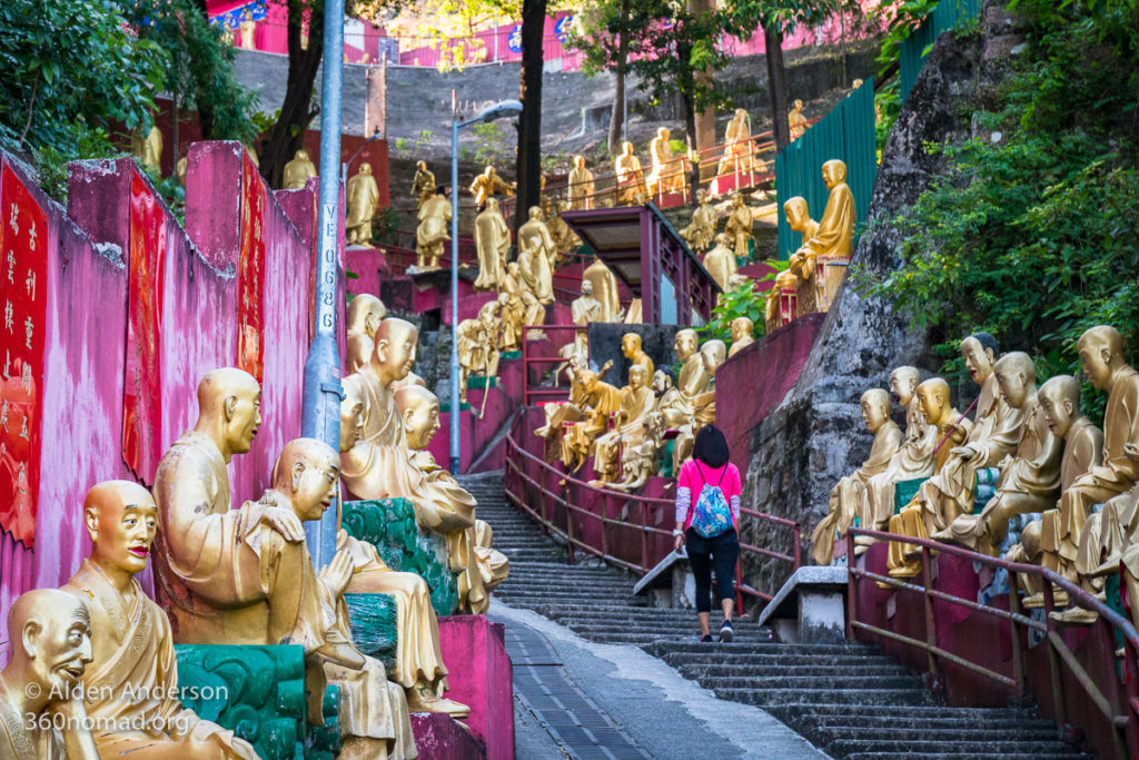 Stairs of the 10000 buddhas
