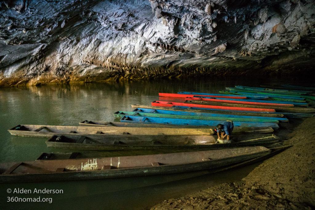Sampans at the start of Kong Lor Cave
