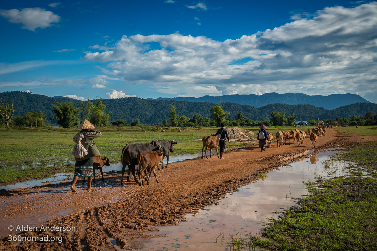 Village life, Thakhek Loop