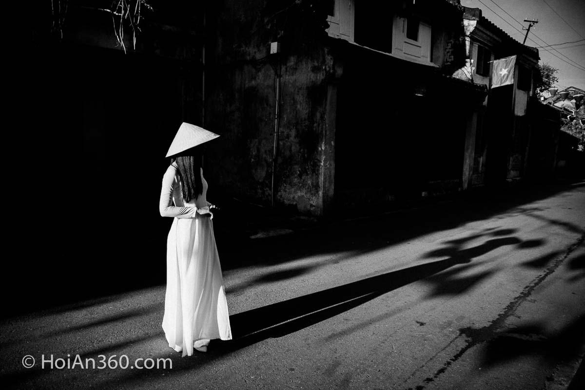 Hoi An Photo Tour Old Town, Black and White