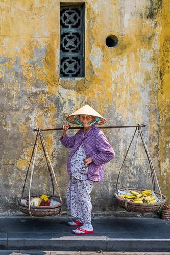 Dai Selling bananas Hoi An Cover