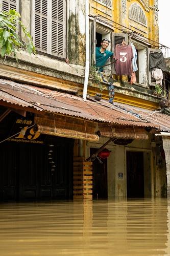 Nam, Flood Hoi An,